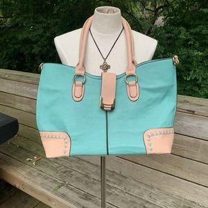 Handbags - Large Concealed Carry Handbag/Tote Vegan Leather-